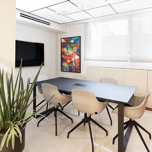 משרדים חדשים עם כבוד לישן